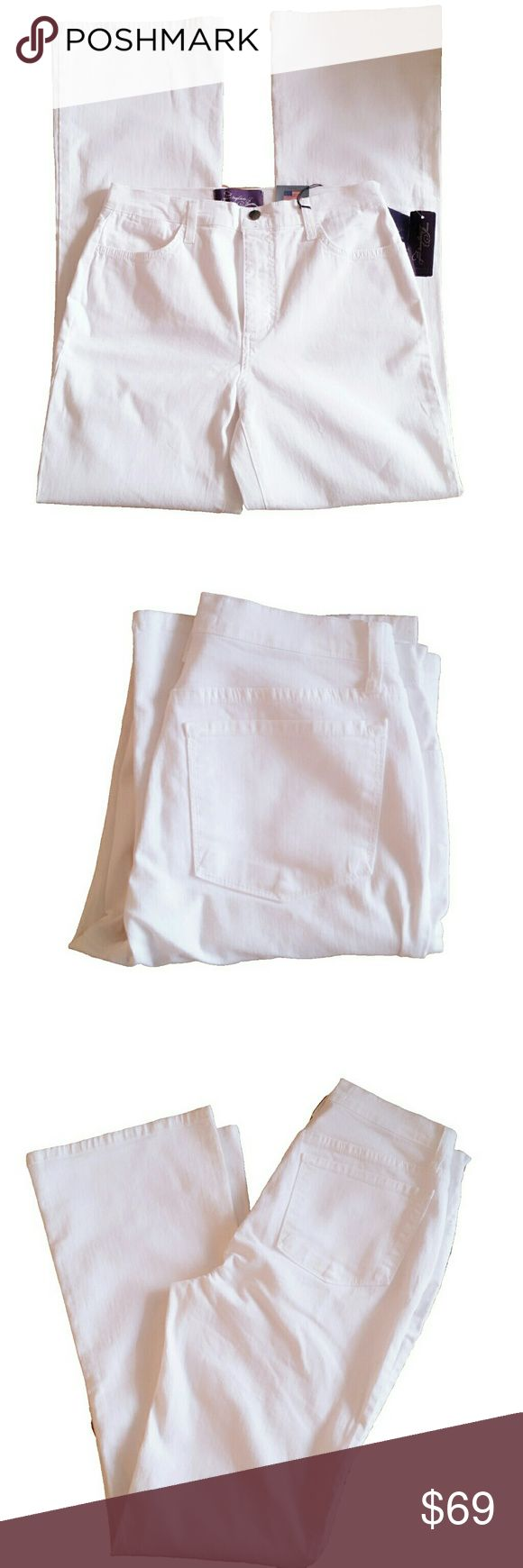 """NYDJ White Bootleg Jeans NYDJ White Bootleg Jeans Not Your Daughter's Jeans Lift Tuck Technology Approx Flat Measurements: Inseam- 32"""", Rise- 11"""", Ankle- 9.5"""" 97% cotton, 3% spandex Size 8 NYDJ Jeans Boot Cut"""