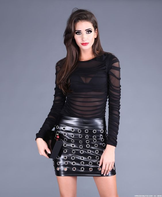 Black pleather fabric and 1-inch O-rings make combined in this mini-skirt.. Buy the supplies to make this: http://mjtrends.com/pins.php?name=pleather-fabric-and-o-rings-for-fashion