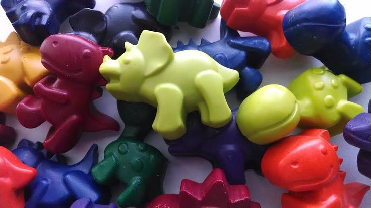 Dinosaur crayons set of 20 - dinosaur party favors, Dino birthday party, baby dinosaur party, easter basket filler, classroom hand outs by CustomCrayonsbySara on Etsy https://www.etsy.com/listing/469773975/dinosaur-crayons-set-of-20-dinosaur
