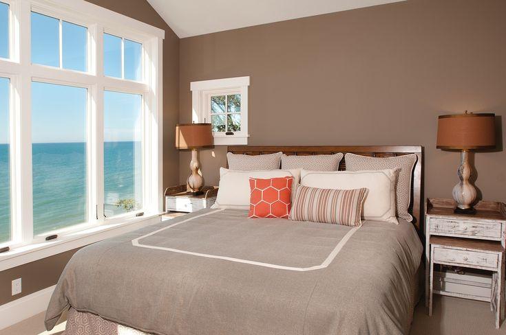 Спальня в  цветах:   Бежевый, Белый, Коричневый, Светло-серый, Серый.  Спальня в  стиле:   Минимализм.