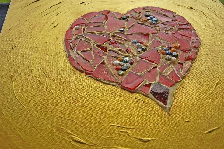 Cuore infranto - olio, acrilico, malta e vetro di Murano su tela.