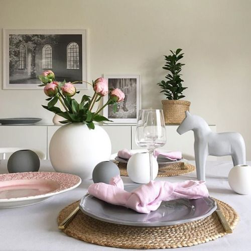 Trevlig kväll vänner  ____________________________ #nordiskehjem#whiteinterior#roominteriorbylisa#homestyling#duka#dukning#dekoration#decoration#homedecor#roomdecor#vakrehjem#interiors#interiör#finahem#boligdrøm#boligpluss#ditthem#heminredning#hem_inspiration#mynordicroom#interiorwarrior#interior444#interior123#cooee#vas#pioner#pion#blommor#finehjem#skonahem - Architecture and Home Decor - Bedroom - Bathroom - Kitchen And Living Room Interior Design Decorating Ideas - #architecture #design…