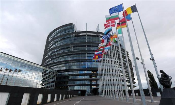Επισημοποιείται η εμπλοκή του Ευρωκοινοβουλίου στο ελληνικό πρόγραμμα - Media