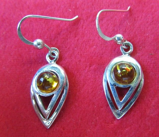 18.6 Cts Amber Silver  Earring Sheppard Hook  AGR68  AMBER EARRINGS IN SILVER SETTING  GEMSTONE SET JEWELLERY AT GEMROCKAUCTIONS