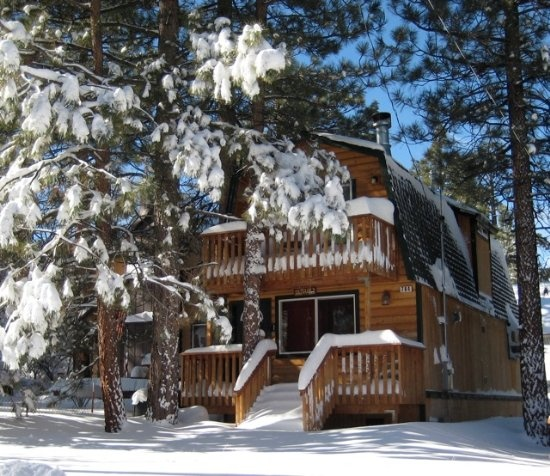 bbs-Gold Rush Resort Rentals offers Big Bear cabin rentals and vacation homes at Big Bear Lake, CA. Lakefront and pet friendly cabins available. Visit Now http://www.bigbearrentalcabins.com/