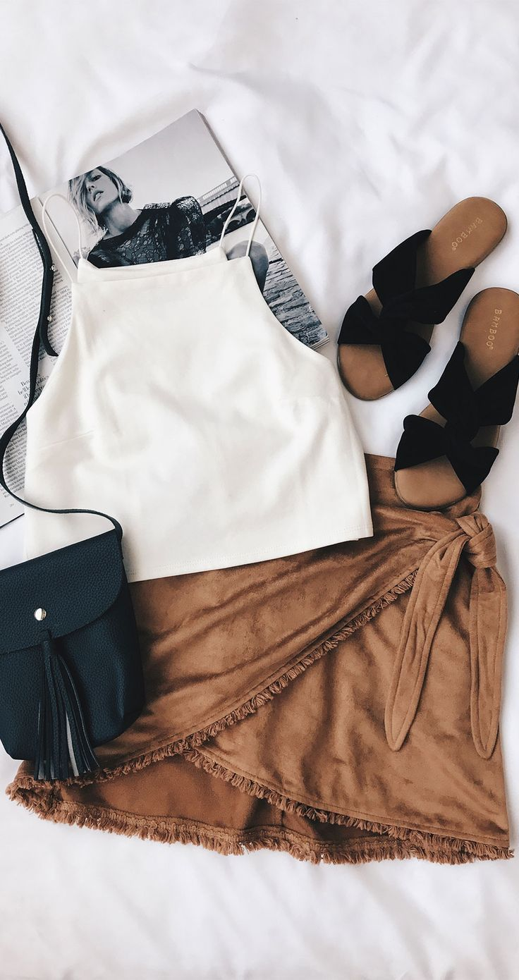 Great ensemble!! love this kind of fashion. Its easy and comfy as well as being stylish!