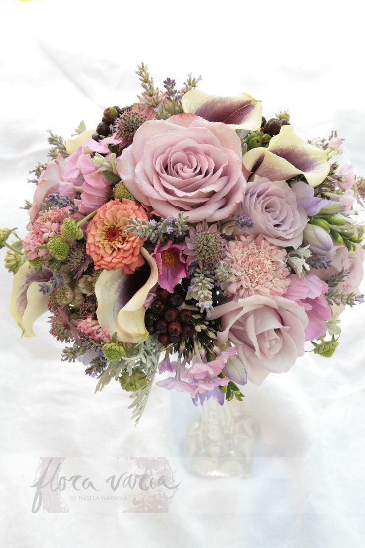 Bridal bouquet by Ingela Waismaa @Flora varia