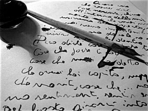 […] in quelle pagine oscure, velleitarie, acerbe, in quei libri faticosi, sbagliati, si nasconde una esperienza intellettuale inedita, il trauma notturno e immedicabile di una nascita […] una tematica linguistica e strutturale […] la coscienza dell'atto artificiale, anche innaturale della letteratura […] la fastosa libertà, l'oltraggiosa anarchia […] discontinue schegge di retorica, […] una lingua letteraria improbabile, fitta di citazioni […] una lingua morta. G. Manganelli…