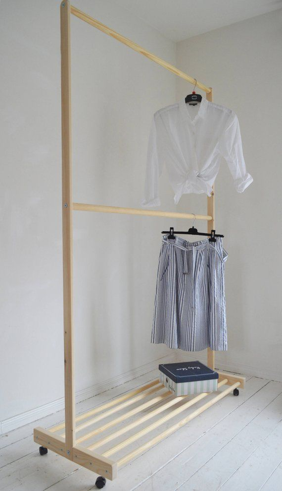 Hand Made Pine Wood Two Rails For Clothes With Shelf And Wheels Varal De Madeira Moveis De Paletes Vestuario