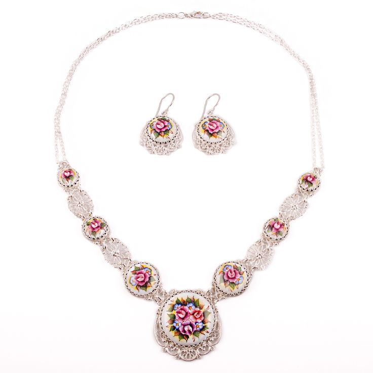Don't you just love the incredible feeling of happiness that comes with wearing a fine jewelry? Meet our jewelry that you'll absolutely love – a fantastic miniature masterpiece, the unmatched beauty of which will be something to treasure and admire. Russian finift is a synonym of beauty and attraction.