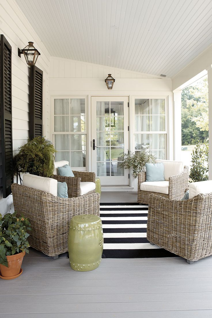 Arrange your porch with four chairs in a circle