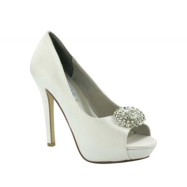 #dyeable #bridal #pumps U003c3 Www.weddingworthy.com