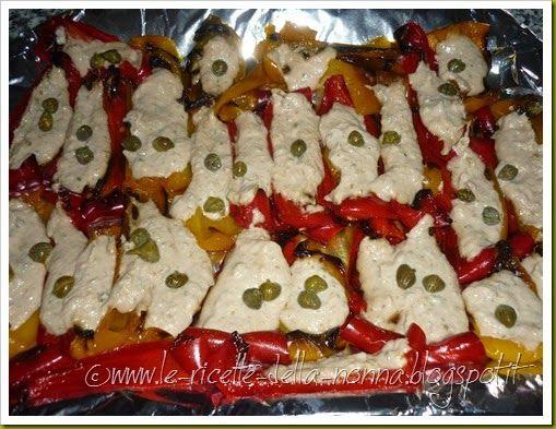 Le Ricette della Nonna: Peperoni al forno con salsa tonnata, capperi e acc...