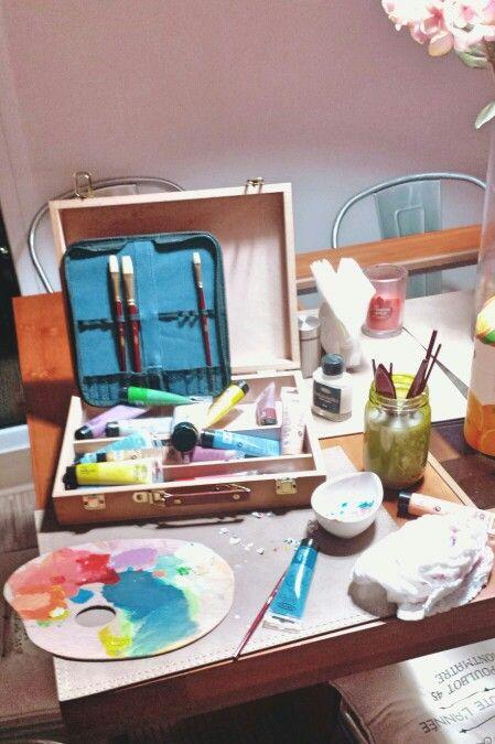 Acrílicos,  pinceles, paleta de colores...