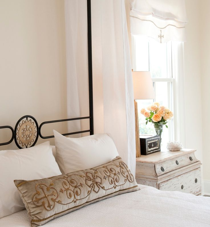 Paint on walls, nightstand, colorsc window treatment, pillow. (Annelle Primos)