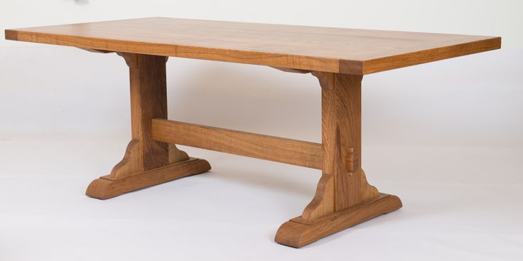 Eichen Tisch rustikal, massiv.