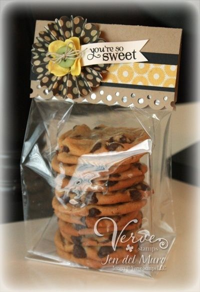 Homemade cookie packaging idea - gusseted bag with bottom board