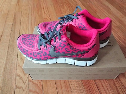 nike free 3 0 pink leopard background