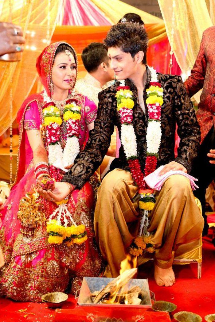 Wedding couple shot | Wedding | Ritual | Weddingplz | Wedding | Bride | Groom | love | Fashion | IndianWedding  | Beautiful | Style