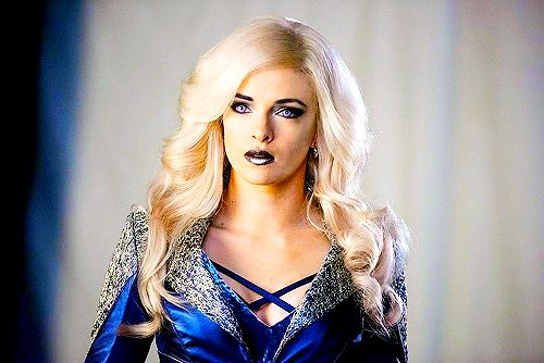 Danielle Panabaker as Killer Frost on Flash 3x07