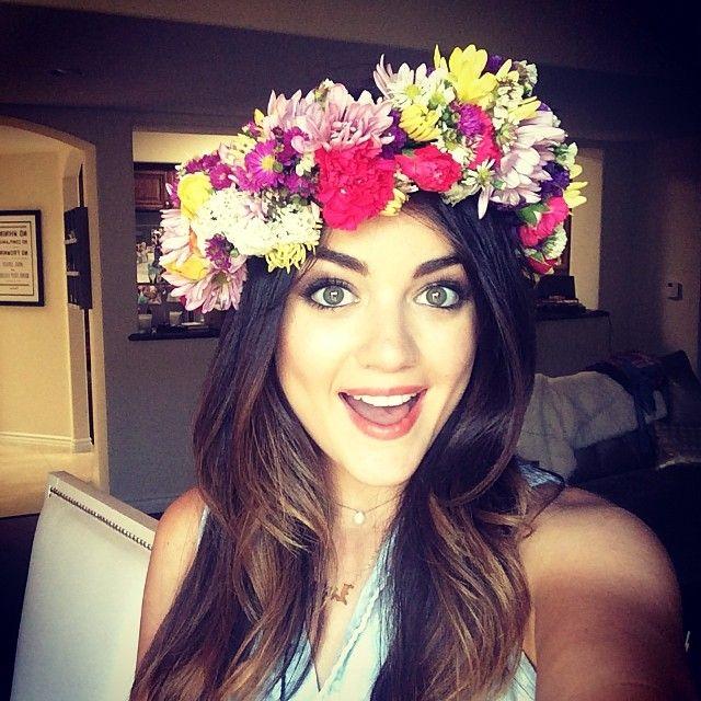 We love love love #LucyHale's flower crown! #PLL