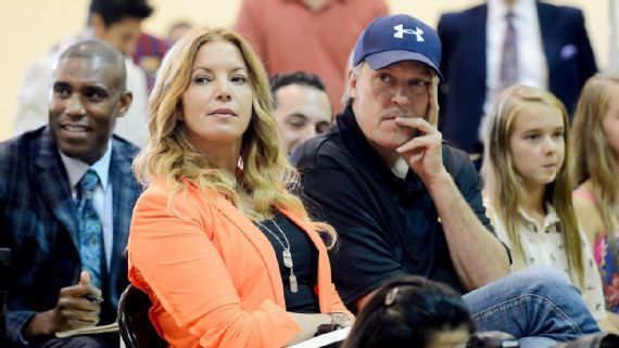 Los Angeles Lakers' Jeanie Buss glad team gets to honor Kobe Bryant properly