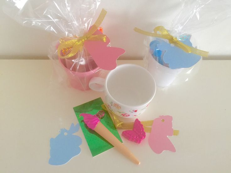 Image of Confetti and gift tags