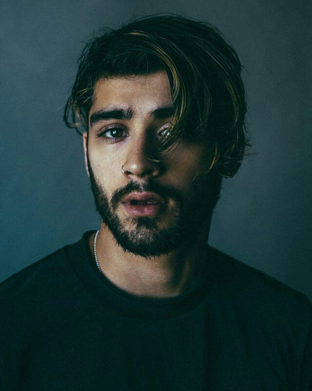 zayn malik looking like something just went wrong. what could it be?