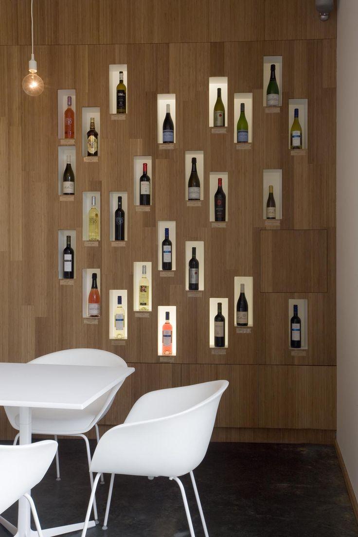 studio k - wijnbar/shop mundowijnen langdorp 2011 (bamboe caramel, gepolierde beton, arper, hay, display wijnflessen)