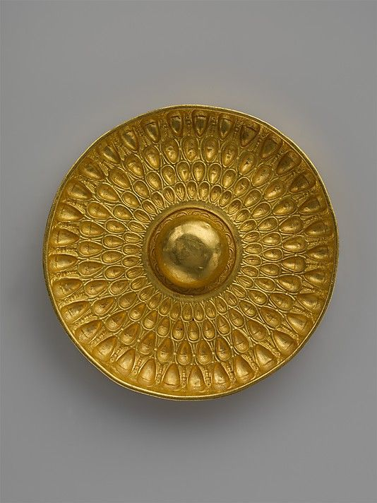 Gold phiale (libation bowl), decorated with bees, acorns, and beechnuts. | Late Classical or Hellenistic (4th–3rd century B.C.)