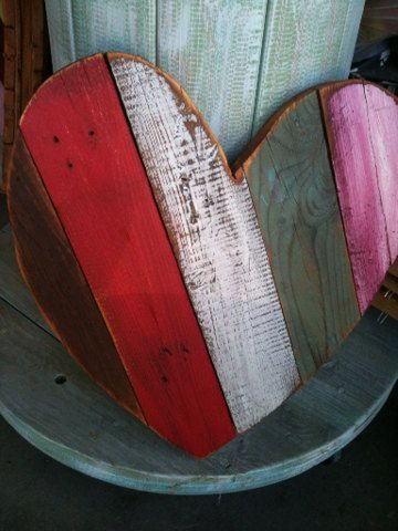 wooden pallet heart...I like the diagonal direction of the boards.