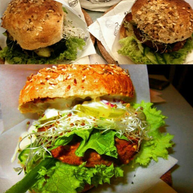 Vegan burger!! @book4fashion