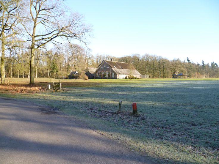 2011-02 Mooie boerderij tegenover het kasteel Verwolde