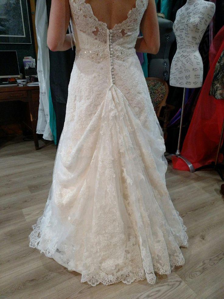wedding dress hook up