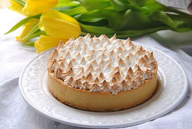 Deze koolhydraatarme citroen merengue taartis gewoonweg heerlijk! Een favoriete taart van mij. Daarnaast is de taart ook suikervrij en erg makkelijk te maken. Deze koolhydraatarme merengue taart is gemaakt metSteviala koolhydraatarm amandelmeelen gezoet metSteviala Kristal Sweet. Met een speciaal bedankje aan Anne Verhoeve die mijnrecept omtoverde en in een nóglekkerderesuikervrije en koolhydraatarme citroen taart! De …
