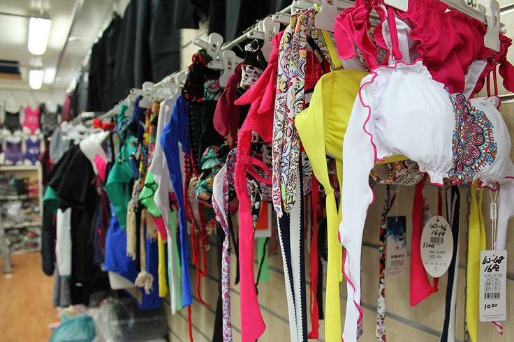 Un mare di costumi al Box A -8 presso #cinamercato2003! Affrettati per scoprire le ultime offerte attive. http://www.cinamercato2003.it/i-nostri-negozi/ (ingrosso abbigliamento napoli) #ingrosso #ingrossoabbigliamento #ingrossoabbigliamentonapoli