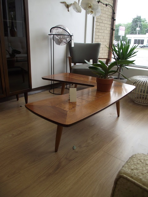 Ideal Surroundings Co.: Lane 'Burl inset' Mid Century Boomerang Coffee Table and End Table Set    Lane 'Burl inset' Mid Century Boomerang Coffee Table and End Table Set