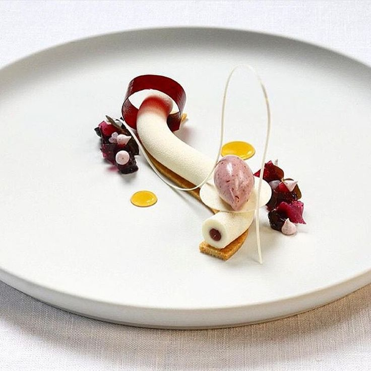 """""""Frozen cheesecake with brown butter sable & blackberries. ✅ By - @andersoskarsson1 ✅ #ChefsOfInstagram @DessertMasters"""""""