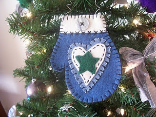 99 best christmas felt mitten ornaments images on pinterest mitten decoration sorry cant find this on the site hope you fabric christmas ornamentsfelt ornamentsadult craftsdiy solutioingenieria Choice Image