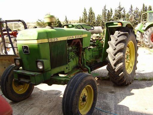 El tractor que usaban en la era