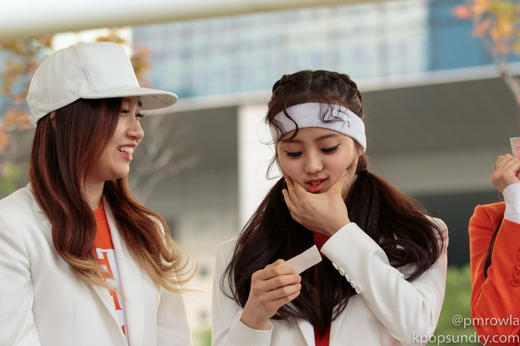 The Ark (디아크) ~ Yuna Kim & Jane :3 150606 The Ark Mini Fanmeeting after Music Core; cr : pmrowla ♥ do not edit