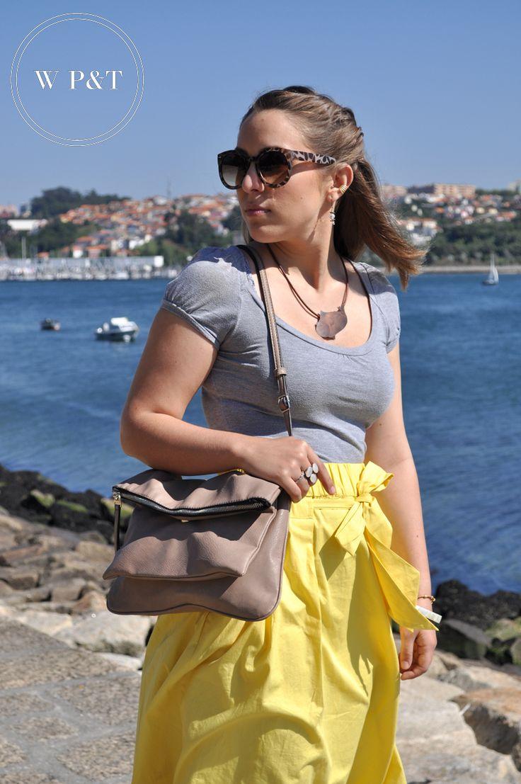 http://womenspleasuresandtreasures.blogspot.pt/2014/08/yellow-skirt.html