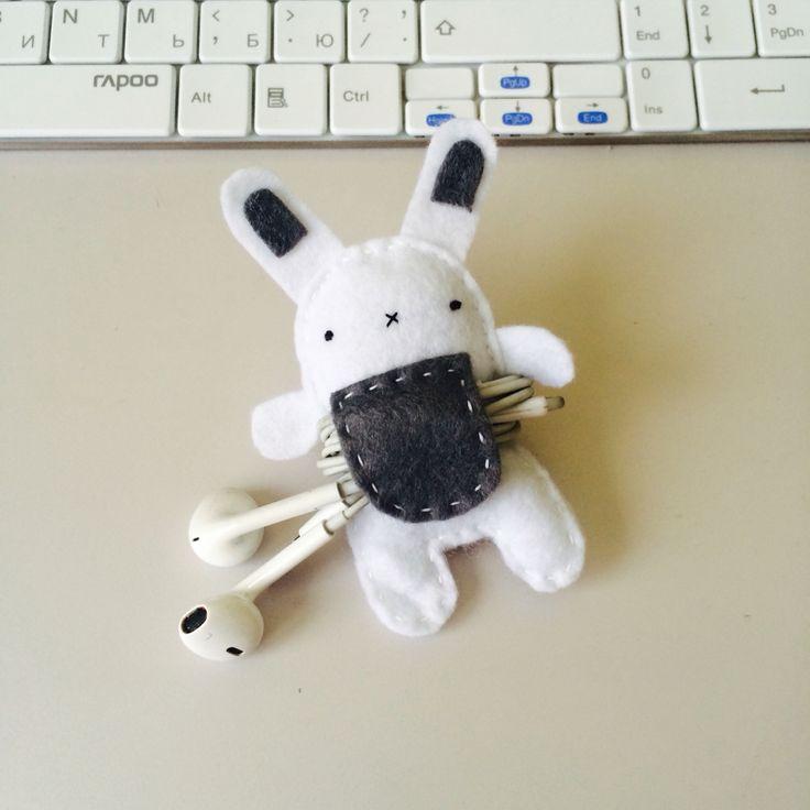 Фетровый заяц, держатель для наушников