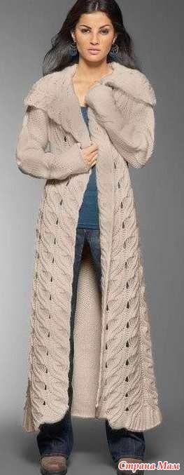 На просторах тырнета нашла описание ОБАЛДЕННОГО пальто, к сожалению автор не назван, делюсь с вами. Если описание на сайте имеется тыркните мордочкой. Спасибо
