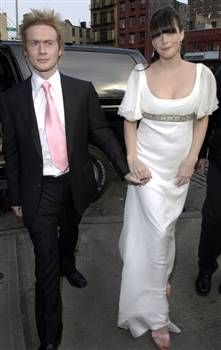 Liv Tyler and Royston Langdon 2003 #Wedding. He is a British musician. They had son Milo in 2004. They divorced in 2009.