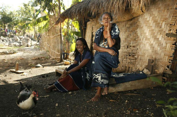 Women Indigo's natural dye maker at Kanatang, East Sumba