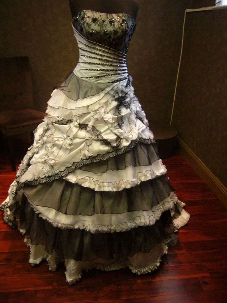 Best 20  Vintage Goth ideas on Pinterest | Vintage black dresses ...