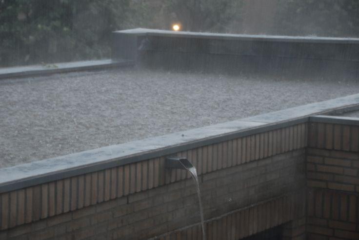 Zwembad op het dak. 30 CM water ...