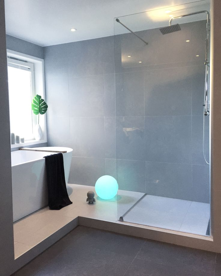 Bathroom via @frutanem on #instagram