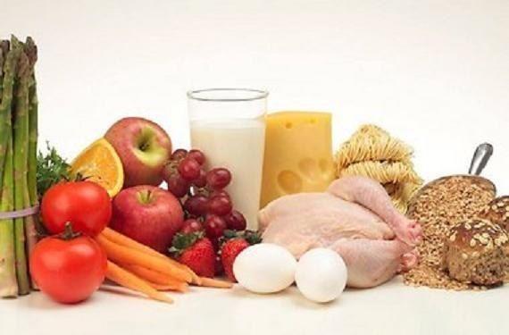 ПРОДУКТЫ ПОВЫШАЮЩИЕ И ПОНИЖАЮЩИЕ УРОВЕНЬ ТЕСТОСТЕРОНА   Продукты питания, ПОНИЖАЮЩИЕ уровень тестостерона:  1. Соль 2. Сахар 3. Кофеин 4. Мясо, наращенное гормонами роста (большая часть импортного мяса) 5. Холестерин 6. Соя 7. Шипучие напитки 8. Белый дрожжевой хлеб 9. Фаст-фуд (совокупность пунктов 1-8), на заметку — фильм «Двойная порция» 10. Жирное молоко 11. Майонез 12. Копченности 13. Алкоголь, особенно пиво  Продукты питания, ПОВЫШАЮЩИЕ уровень тестостерона:  1. Рыба (анчоусы, окунь…